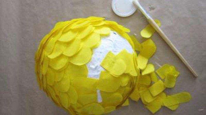 Как сделать пиньяту своими руками из шарика 4