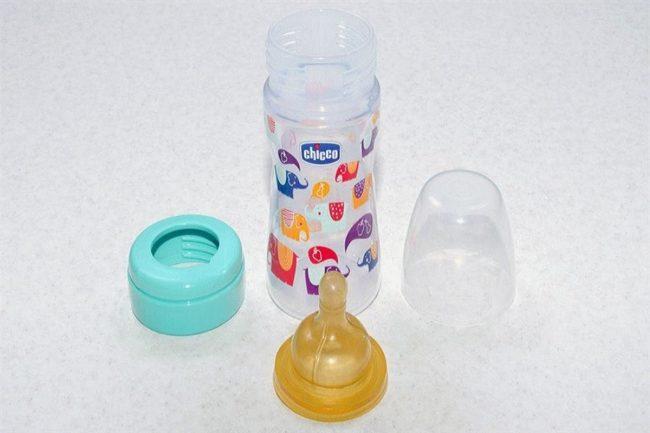 Детали от детской бутылочки