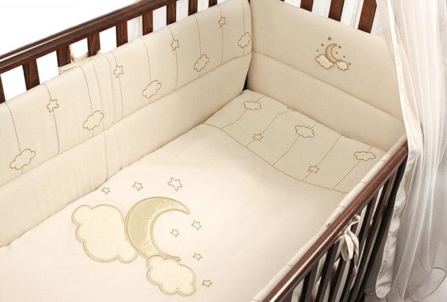 Бамперы на кроватку для новорождённого