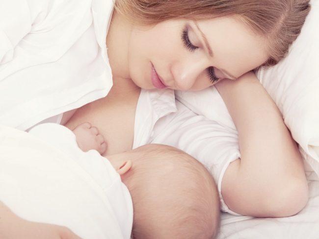 Грудное молоко для новорождённого
