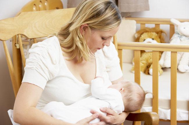 Новорождённый питающийся молоком