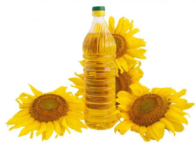 Растительное масло жёлтого цвета