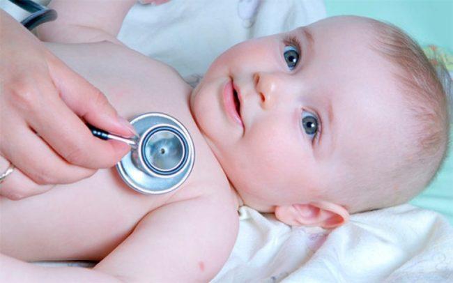 Новорождённый у педиатра