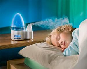 Ребёнок спит при включённом увлажнителе воздуха