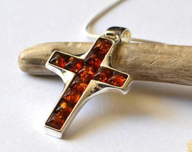Серебряный крестик с янтарными вставками